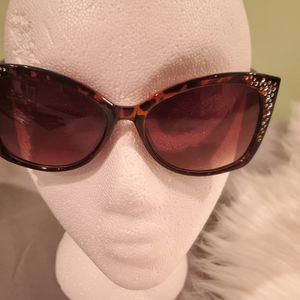 Tortoise Shell bedazzled sunglasses Relic Brand